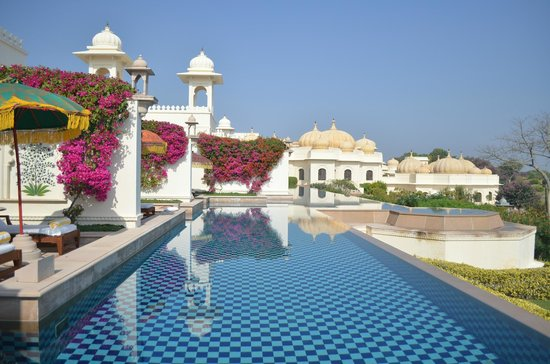 Pool rooms with a spectacular view picture of the oberoi udaivilas udaipur tripadvisor for Hotel in udaipur with swimming pool