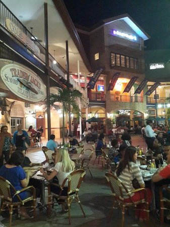 Terrace area of movie towne picture of trader jack 39 s for Movies at the terrace