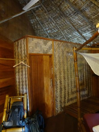 Libassa Ecolodge: Bath and toilet on the room
