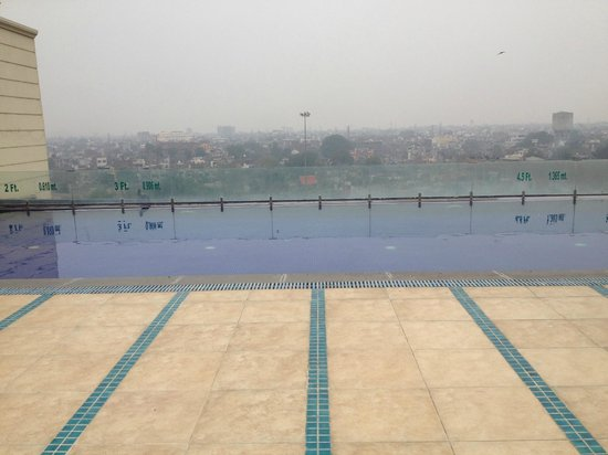 Small Swimming Pool Picture Of Country Inn Suites By Carlson Amritsar Amritsar Tripadvisor