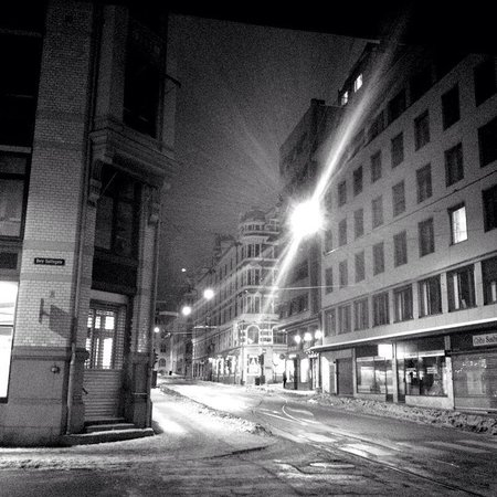 Park Inn by Radisson Oslo: the streets at night below our hotel