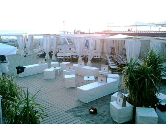 Summer Space Ristorante Bagno Italia - Picture of Marina ...