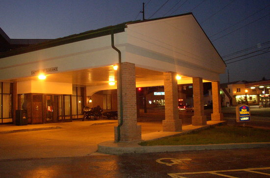 Photo of BEST WESTERN Wooster Hotel