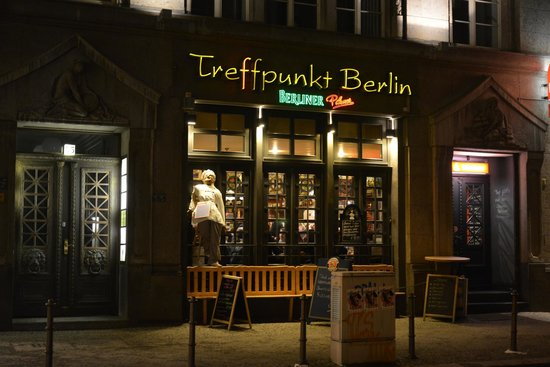 facciata dell 39 osteria picture of treffpunkt berlin alt berliner kneipe berlin tripadvisor. Black Bedroom Furniture Sets. Home Design Ideas