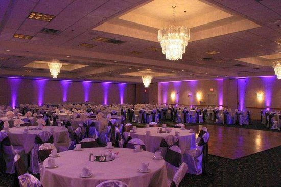 Elegant ballroom great for wedding receptions picture of wyndham garden urbana champaign for Wyndham garden urbana champaign