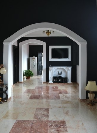 the casa inside as you walk in from the street the
