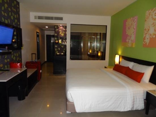 Deevana Plaza Phuket Patong: our room