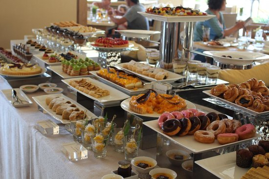 Brunch dessert buffet - Picture of Soleil, Nusa Dua - TripAdvisor