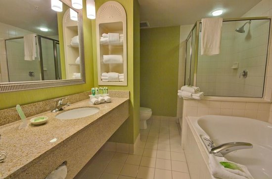 Executive Suite Bath With Jetted Tub And Walk In Shower Picture Of Holiday Inn Express Hotel
