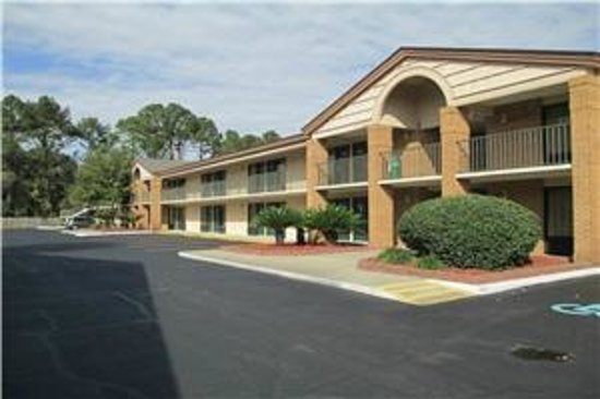 Photo of Stay Inn and Suites Valdosta