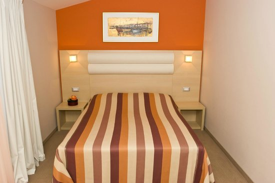 The Maritimo Hotel: Room
