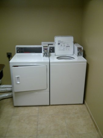 guest laundry room picture of microtel inn suites by. Black Bedroom Furniture Sets. Home Design Ideas