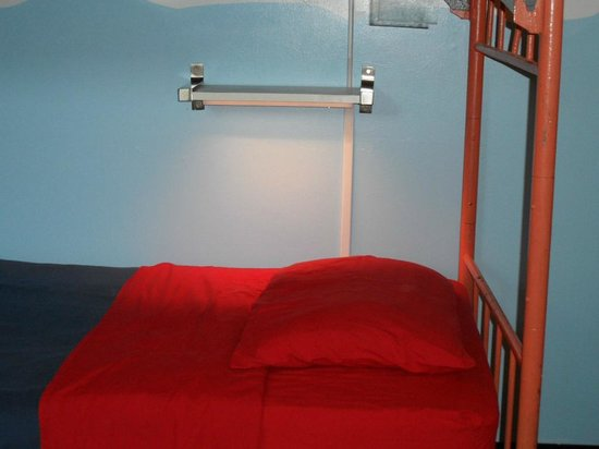 Venice Beach Hostel and Hotel: my bed