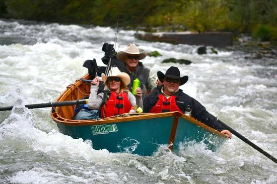 Fun whitewater in a drift boat helfrich river outfitters for Drift boat fishing