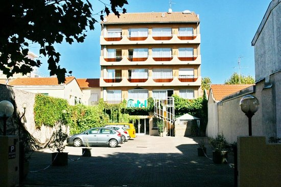 Photo of Hotel Lamartine Arcachon