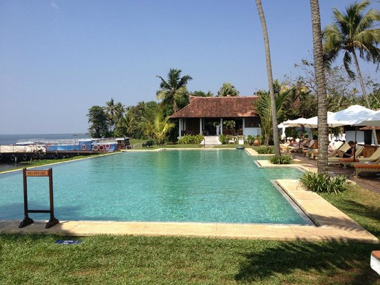 Infinity Pool Picture Of Kumarakom Lake Resort Kumarakom Tripadvisor