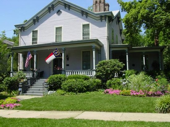 Oakwood Inn Bed and Breakfast