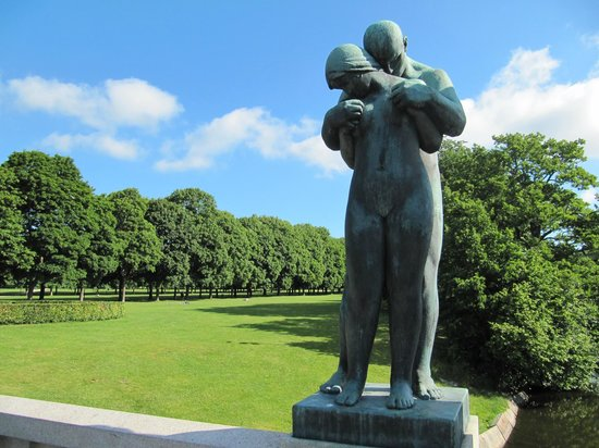frogner guys The vigeland park is the world's largest sculpture park made by a single artist, and is one of norway's most popular tourist attractions the.