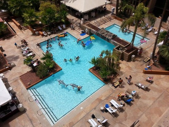 Wheelchair accessible picture of mesa central arizona for Pool fill in mesa az