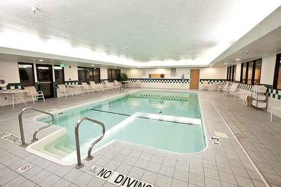 Heated indoor swimming pool for Plymouth hotels with swimming pools