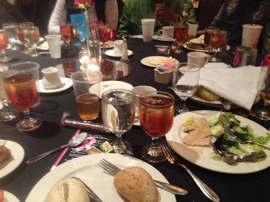 Embassy Suites by Hilton Raleigh - Durham/Research Triangle: Horrible service