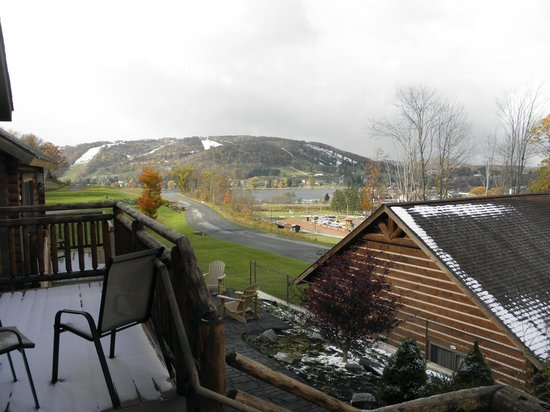 The Lodges at Sunset Village: View of the lake from back deck