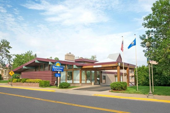 Photo of Days Inn & Suites Rhinelander