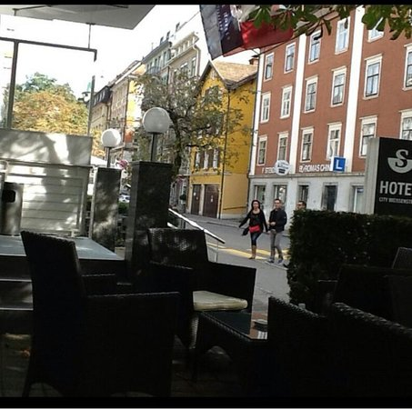 Sorell Hotel City Weissenstein: front view while sitting outside.