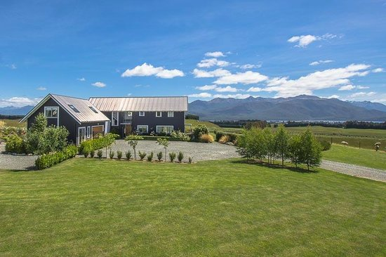 Dusky Ridges - Te Anau farmstay Bed and Breafast