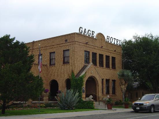 Marathon, TX: Entrance to Historic Gage Hotel