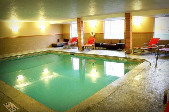 Hotel In Toledo Ohio With Swimming Pool In Room