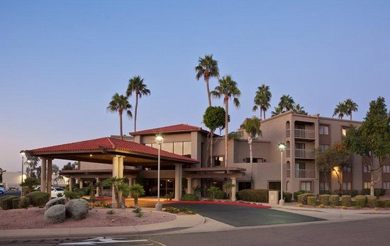 ‪BEST WESTERN PLUS Scottsdale Thunderbird Suites‬