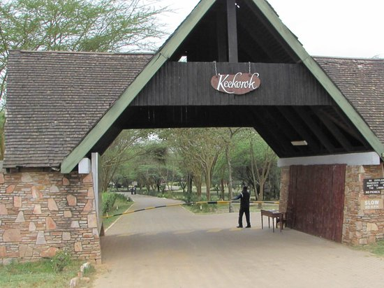 Keekorok Lodge-Sun Africa Hotels: Entryway into the lodge