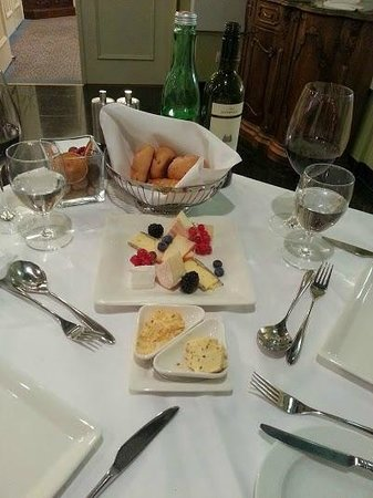 Hotel Ambassador: Cheese board