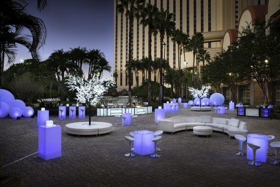 Outdoor poolside event set up picture of rosen centre hotel orlando