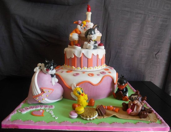 Baby Looney Tunes Cake - Picture of Sweet Lab, Catania - TripAdvisor