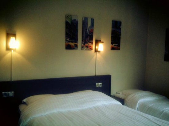 Chambre new york picture of les inities rouen tripadvisor for Chambre new york
