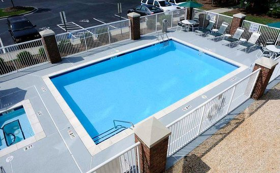 Rock hill tourism and travel 18 things to do in rock hill for Garden city pool hours