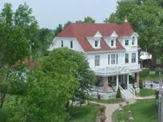 Ages Past Country House Bed & Breakfast