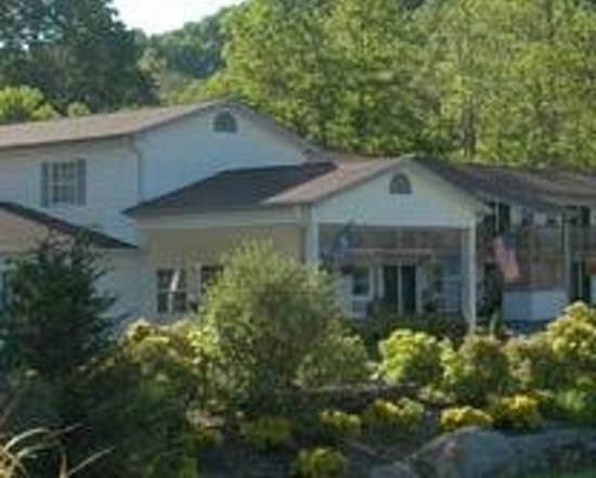 Photo of Maggie Valley Creekside Lodge