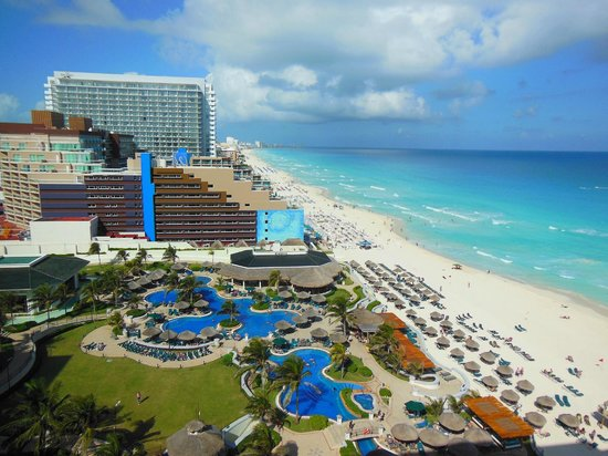 JW Marriott Cancun Resort and Spa: From our balcony at room 1109; the view is facing north, the beach to the east