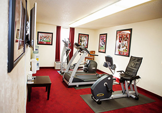Fitness room picture of sooner legends inn suites