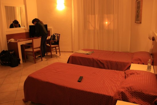 Rooms very spacious - Review of B&B Soggiorno Ponte Rosso ...