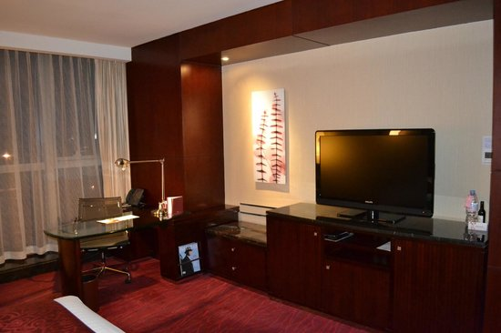 marriott hotel northeast photo king size bedroom work table and tv