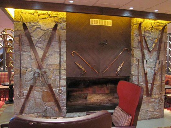 Club Med Tignes Val Claret: Fireplace