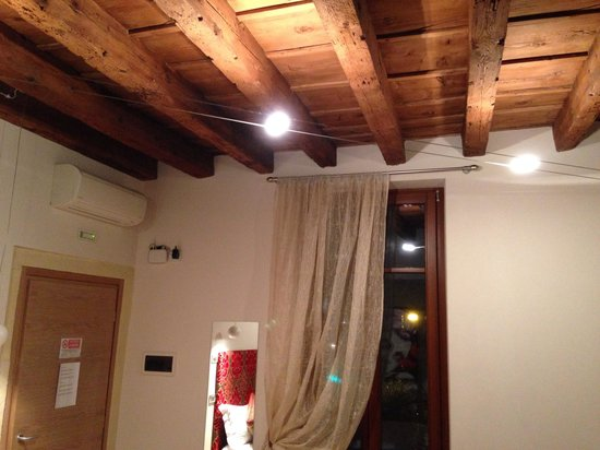 Travi a Vista - Picture of B&B Santo Stefano, Verona - TripAdvisor