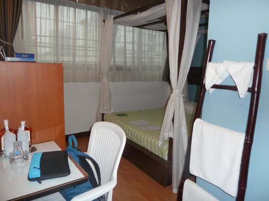 THE BEST BANGKOK HOUSE: bed