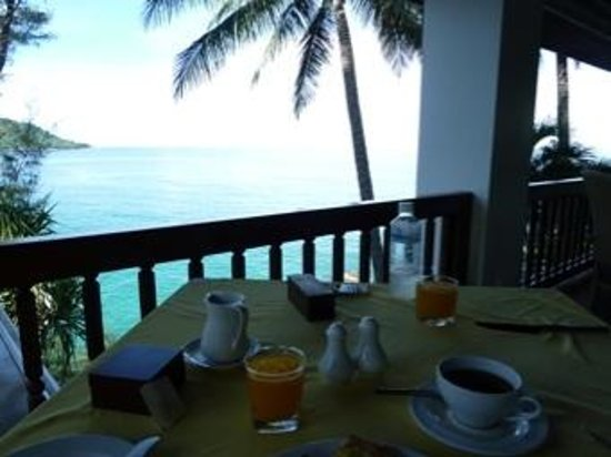 Mom Tri's Villa Royale: breakfast with a view
