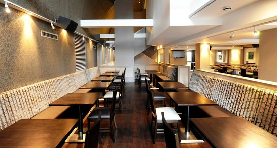 restaurants near the cosy chair in newtownabbey united