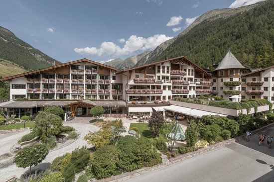 Photo of Das Central - Alpine . Luxury . Life Solden
